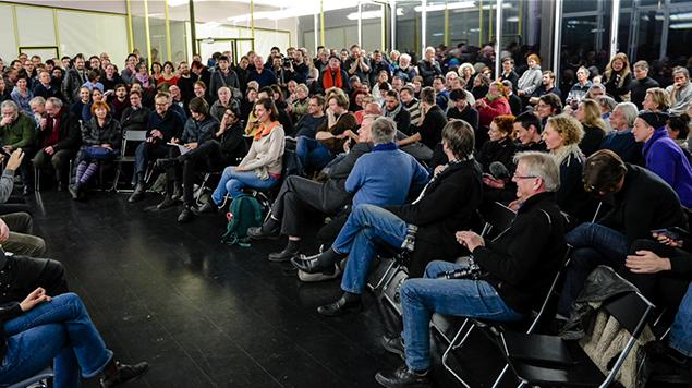 Andrey Holm Rücktritt 2017, Versammlung bei ExRotaprint